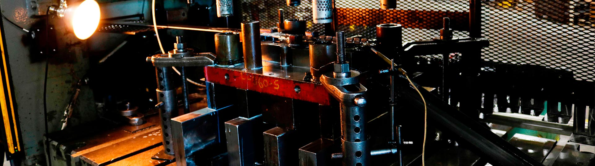 metalworks-slider-01-progressive-stamping-537x1920