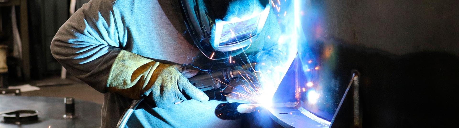metalworks-slider-03-Welding-537x1920
